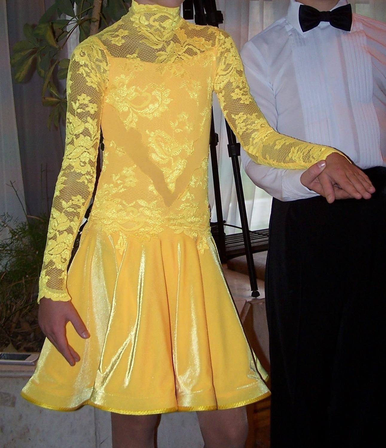 Фото платьев по бальным танцам ювеналы 2011 года 2